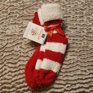 NWT moisturizing socks